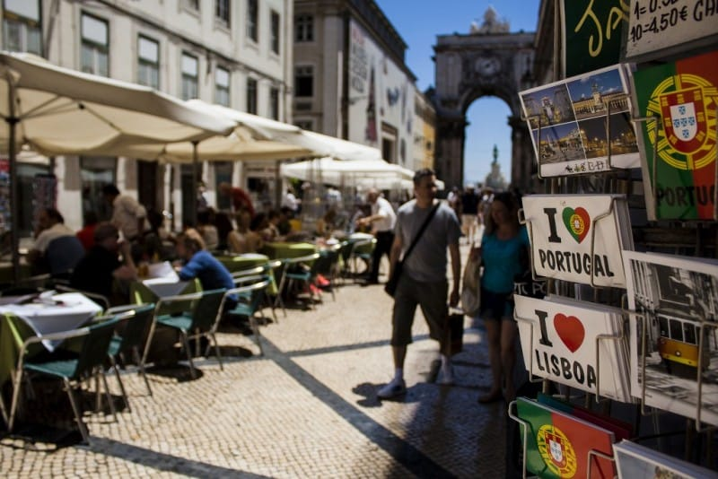 Turistas adoram a cidade de lisboa